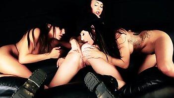 A Clockwork Whore lesbian threesome, Gia Dimarco
