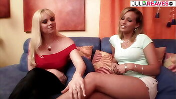 The two women live together in a flat and have allways lesbian sex
