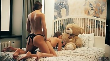 2 Lesbians college roommates have sex in front of teddy bear with a strapon dildo and receives cumshot in mouth. This is free advance showing trailler from Plushies TV starring Eve S and Rebeka Ruby and plush toy teddy bear Brownie with big black cock